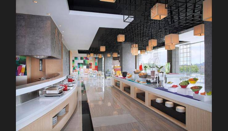 Ibis Styles Jemursari Surabaya - Buffet