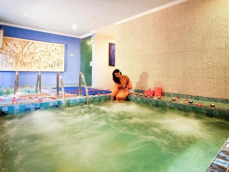 Novotel Solo - Pool