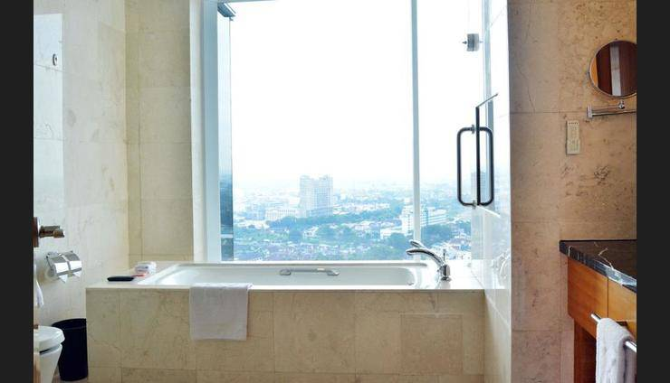 JW Marriott Medan - Bathroom