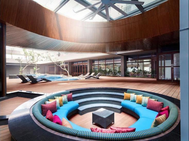 ibis Styles Jakarta Airport - Lobby Sitting Area