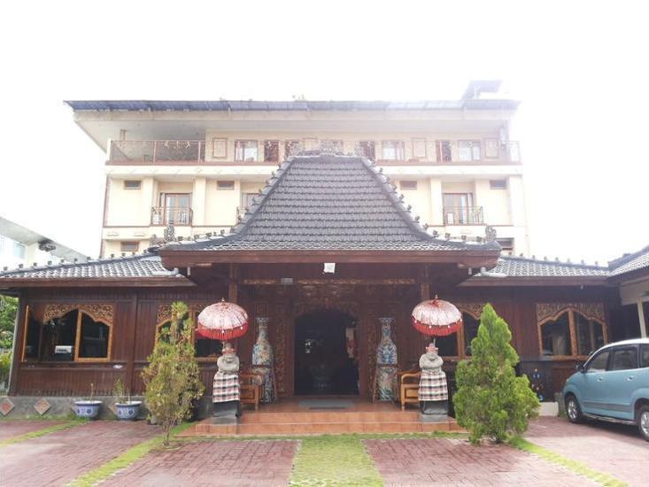 Hotel Puri Mimi Bali - Featured Image