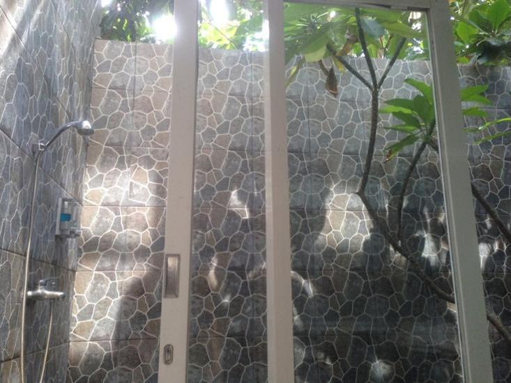 Dejavu Hotel Lombok - Bathroom