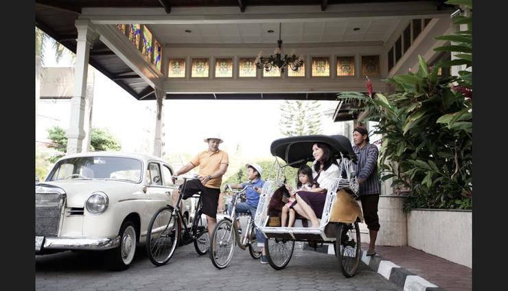 The Phoenix Hotel Yogyakarta - Bicycling