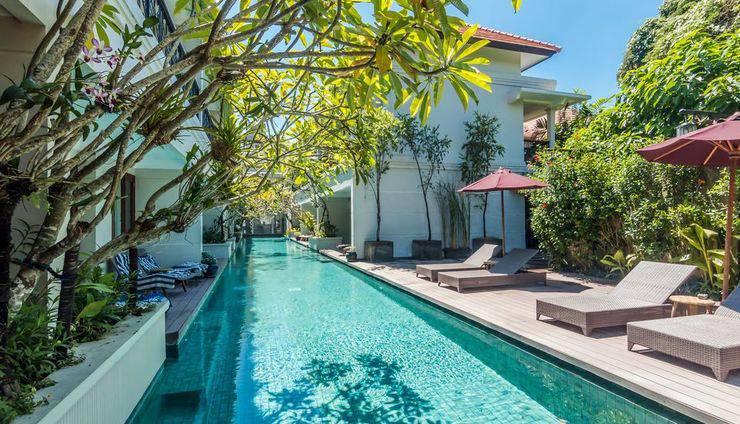 ZEN Premium Dewi Saraswati Seminyak Bali - Kolam Renang