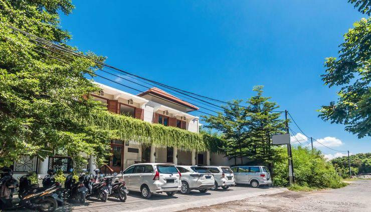ZEN Premium Dewi Saraswati Seminyak Bali - Tampak luar