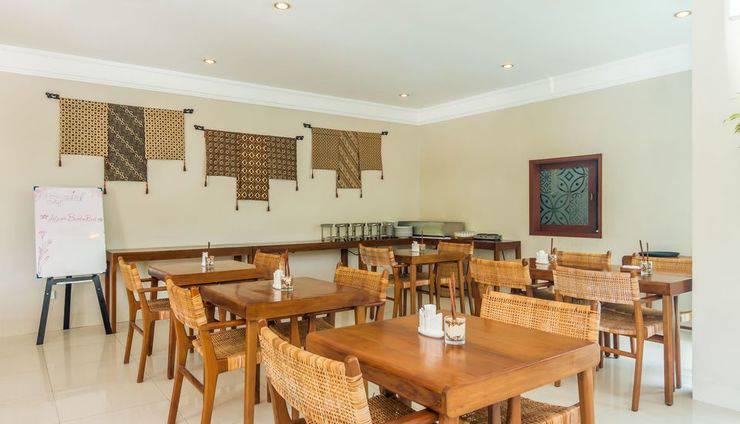 ZEN Premium Dewi Saraswati Seminyak Bali - Restoran