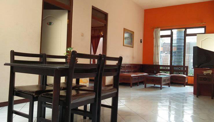 Patria Garden Hotel Blitar - Living room 2 in 1 Room