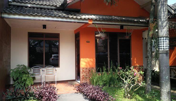 Patria Garden Hotel Blitar - Tampilan Luar 2 in 1