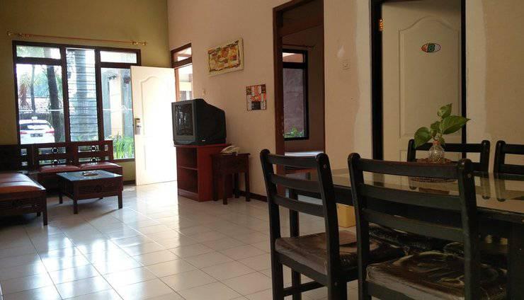 Patria Garden Hotel Blitar - Living room 3 in 1 (2)