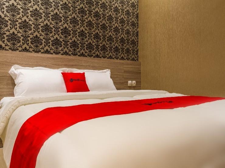RedDoorz Plus @ Dipatiukur Bandung - Guestroom