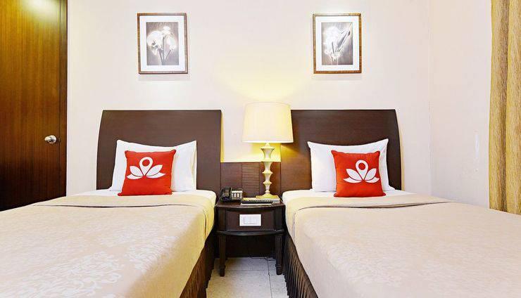 ZEN Premium Dago Bandung - Tampak tempat tidur twin