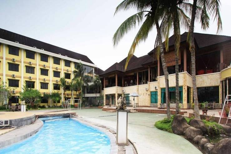 Dangau Hotel  Pontianak - Kolam Renang