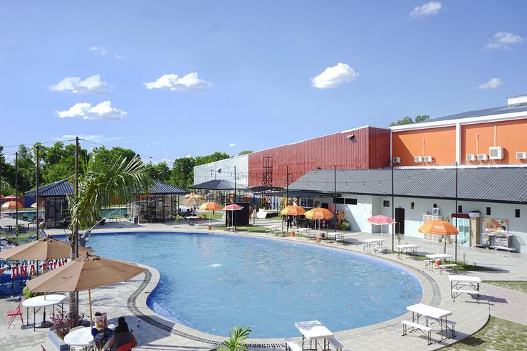 OYO 762 Dna Fun Zone Mbc Hotel Pekanbaru - Pool