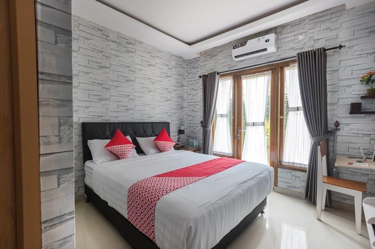 OYO 1769 Mahayun Guest House Syariah Bekasi - BEDROOM DL D