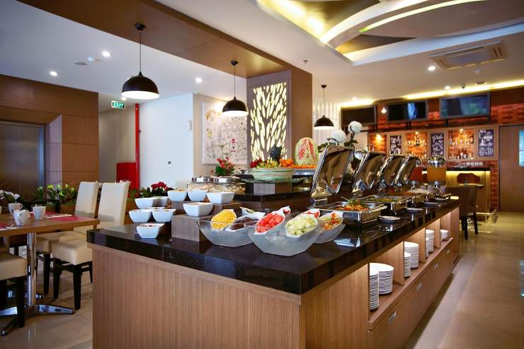 fave hotel Panakkukang - Restaurant