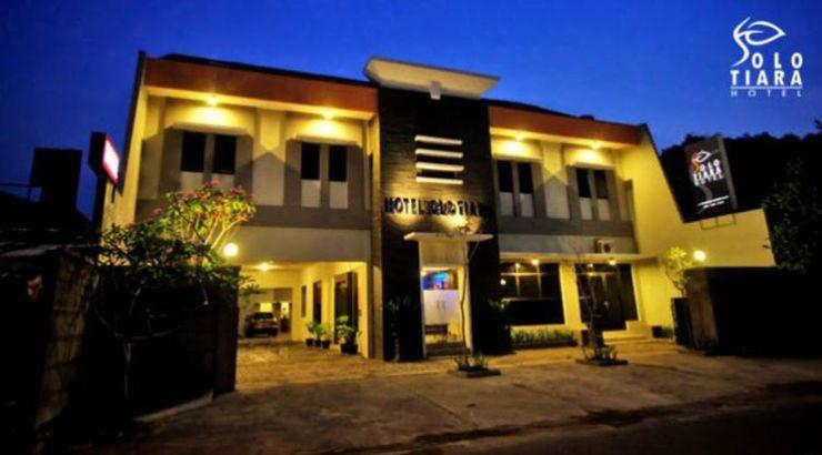 Solo Tiara Hotel Solo - Facade