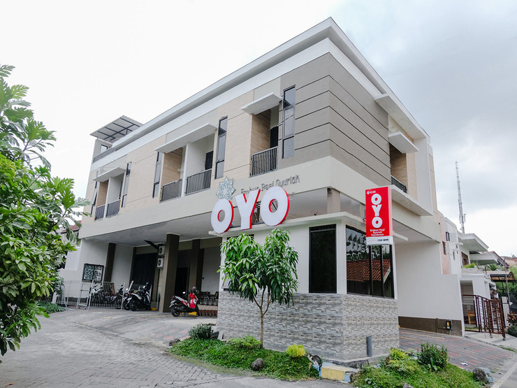 OYO 1038 Embun Pagi Syariah Residence Malang - Facade