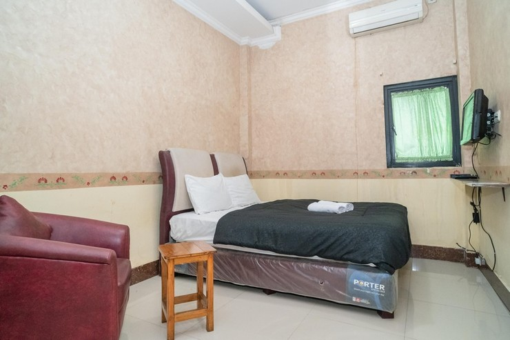 Hotel Transit Nusa Indah Tangerang - Photo