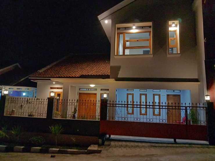 Lubna Homestay Kuningan - Exterior