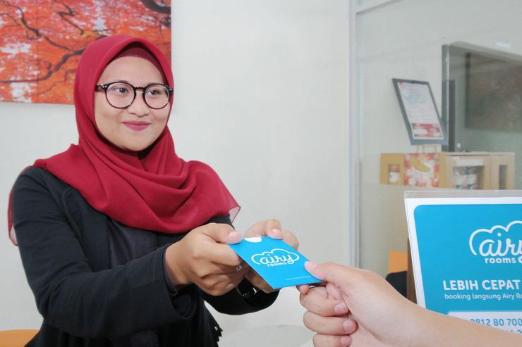 Airy Syariah Jatinangor 78 Sumedang - Receptionist