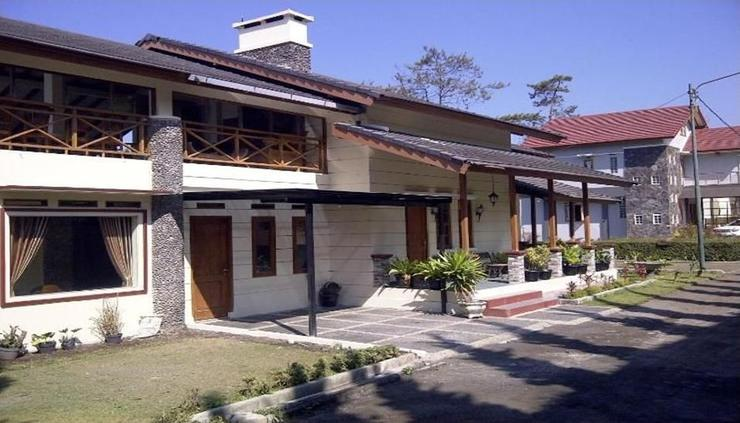 Jason Villa Bandung - exterior
