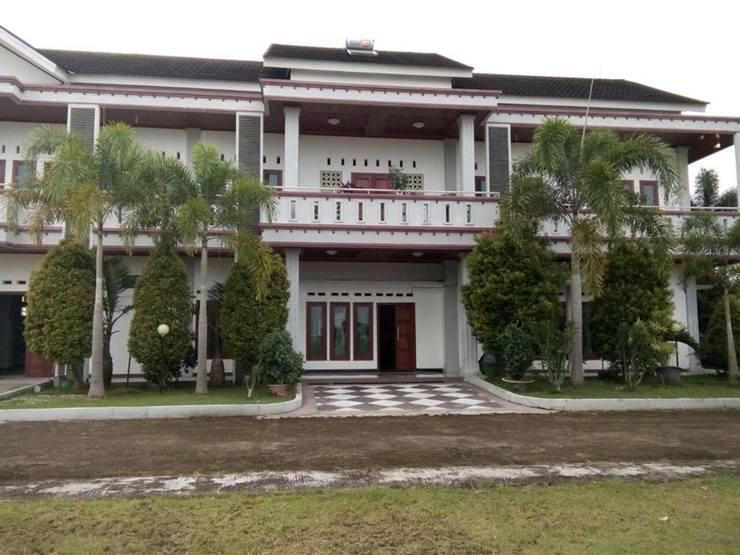 Prima Guesthouse Syariah Padang - Exterior