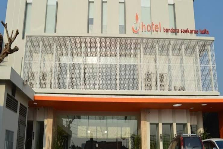 J Hotel Bandara Tangerang - Tampilan Luar Hotel