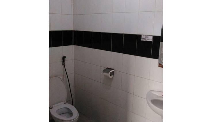 Hotel Istana Pekalongan Pekalongan - Bathroom