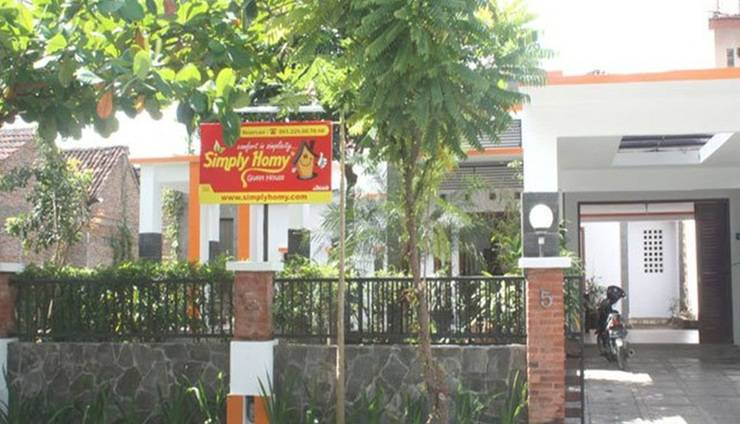 Simply Homy Guest House Wirosaban - Tampilan Luar Hotel