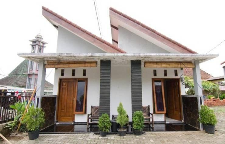 Dini Homestay Malang - Eksterior