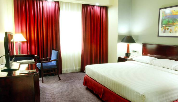 Surabaya Suites Hotel Plaza Boulevard - Business Suite