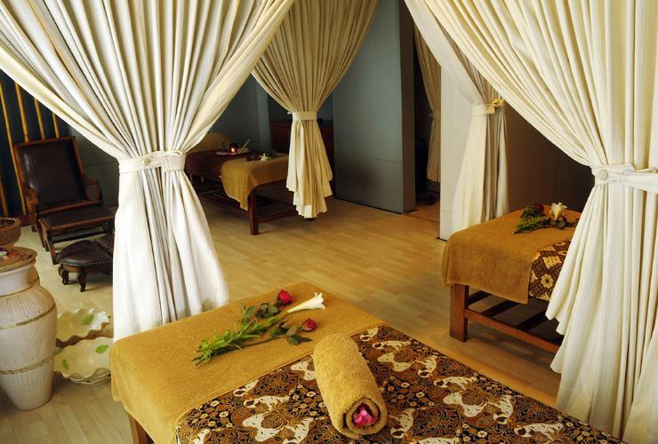 Surabaya Suites Hotel Plaza Boulevard - Spa & Massage