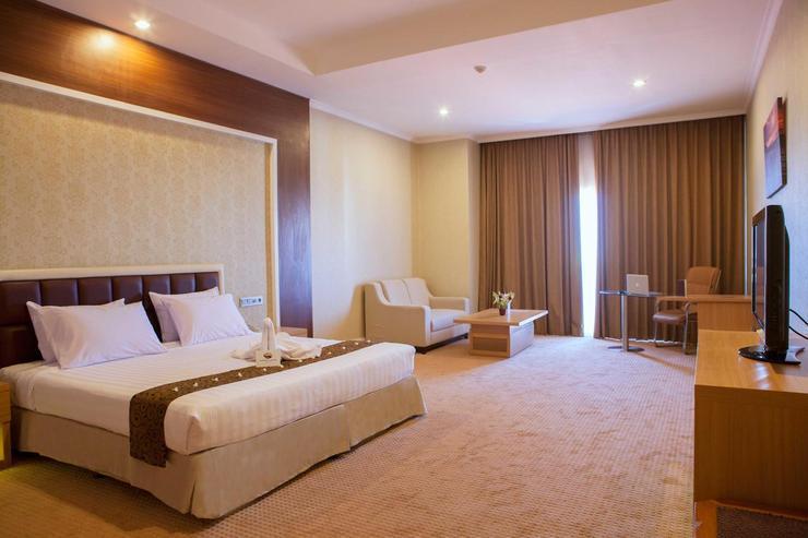 Horison Suites Surabaya - Room