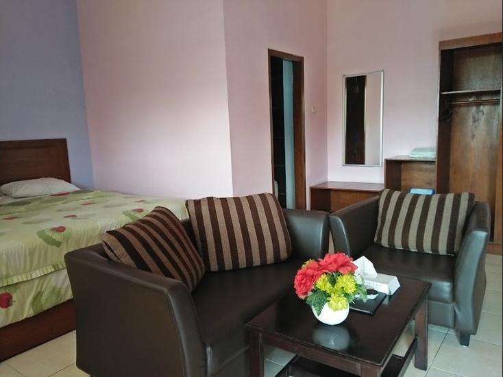 Nirwana Hotel Bojonegoro Bojonegoro - room