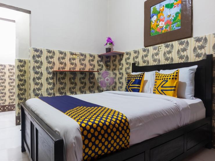SPOT ON 2518 Wilma Hotel Ii Premier Kupang - Bedroom
