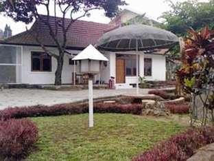 Villa Tretes Utama Pasuruan -