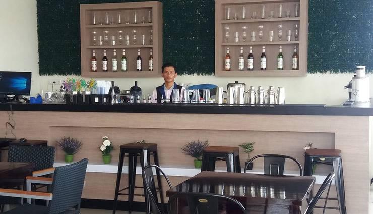 Avon's Residence Manado - Restoran