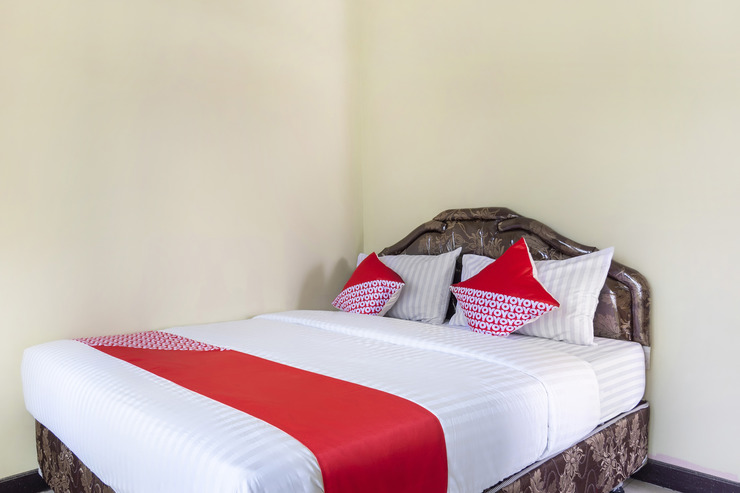 OYO 2950 Grand Suites Palace Cianjur - Guestroom