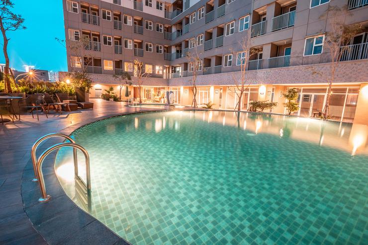 OYO Flagship 728 Baileys Apartment Tangerang Selatan - Pool