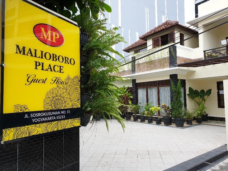 Malioboro Place Yogyakarta - Tampak Depan