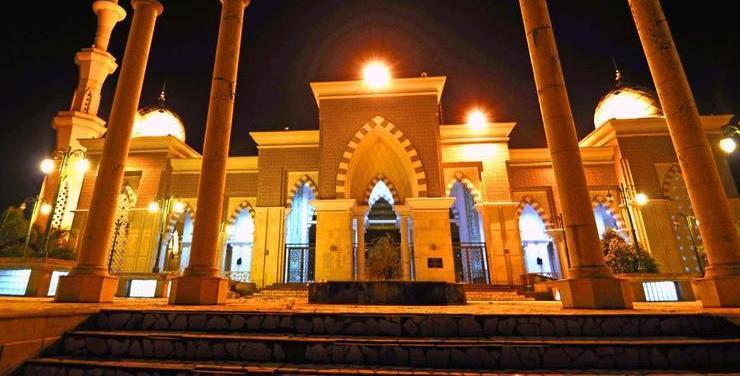 Hotel Scarlet Makassar - Masjid Agung Makassar