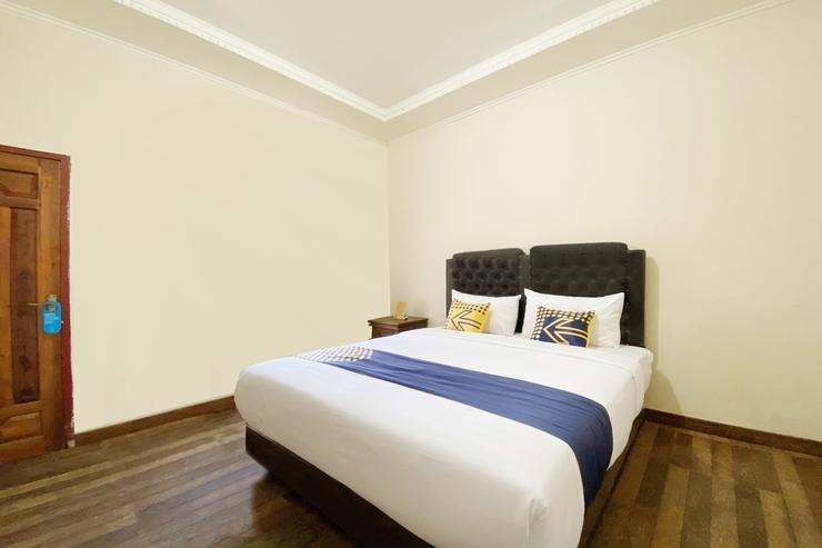 SPOT ON 2897 Rahmah Residence Syariah Bukittinggi - Bedroom