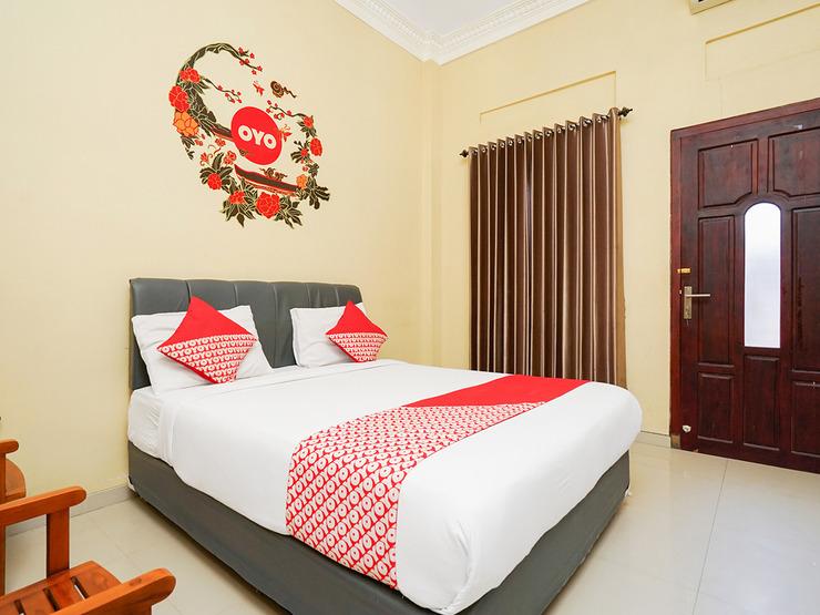 OYO 179 68 Residence Surabaya - Bedroom