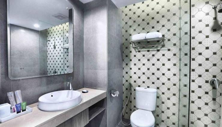 Aston Inn Pandanaran - Semarang Semarang - Bathroom