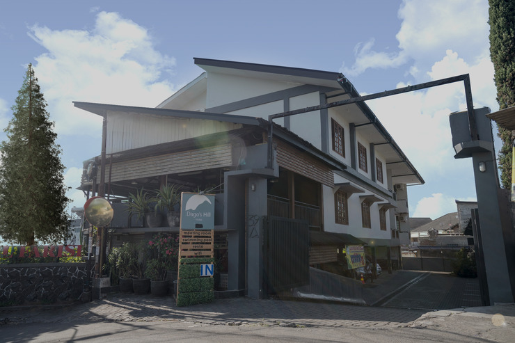 Dago's Hill Hotel Bandung - Pintu Masuk