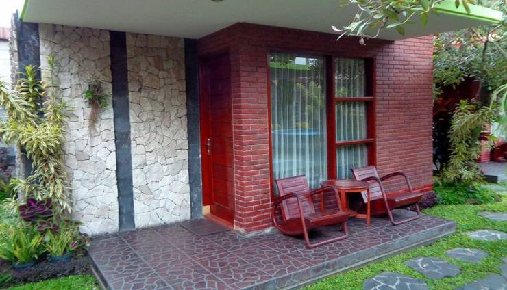 Rumput Hotel Yogyakarta - kamar savana