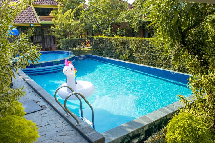 Rumput Hotel Yogyakarta - Kolam Renang
