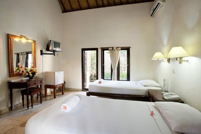 IDA Hotel Bali - Balinese Bungalow (28/Jan/2014)