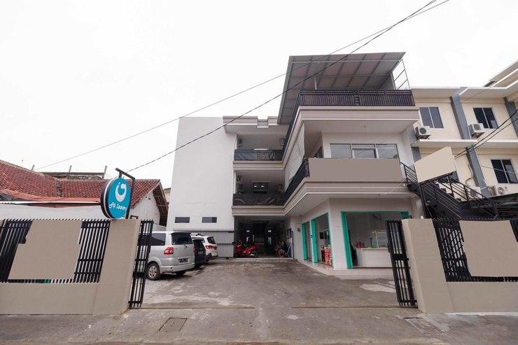 RedDoorz syariah near Stasiun LRT Bumi Sriwijaya Palembang - Photo