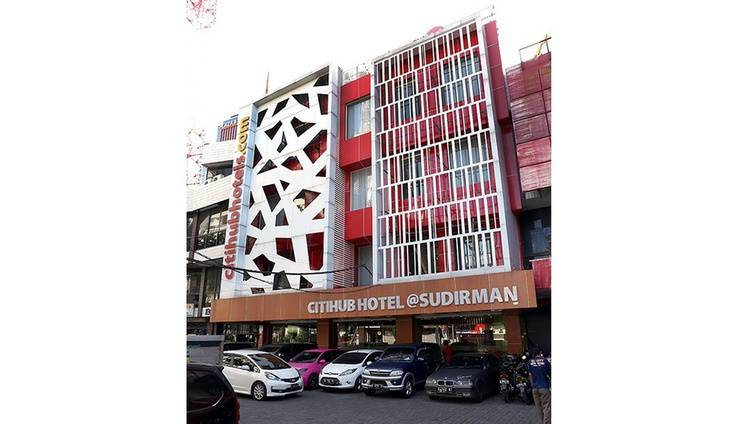 Citihub Hotel at Sudirman Surabaya - Facade